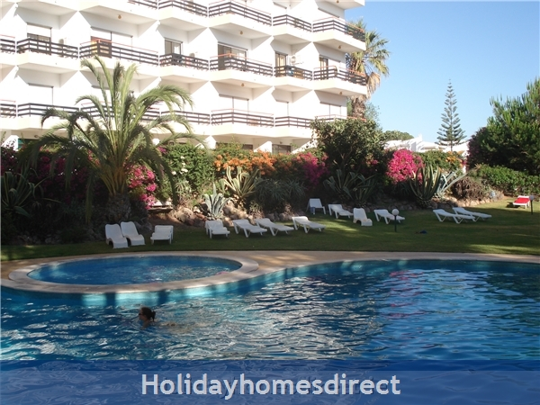 Mar Bel Sol, 2 Bedroomed Apartment, Vilamoura.  Licence no:14983/AL