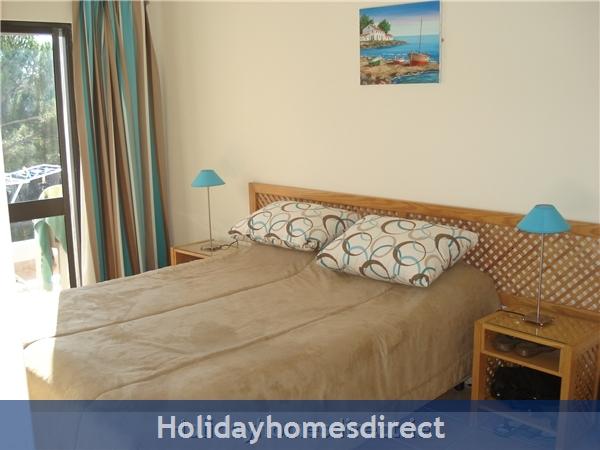 Mar Bel Sol, 2 Bedroomed Apartment, Vilamoura.  Licence No:14983/al: Image 3