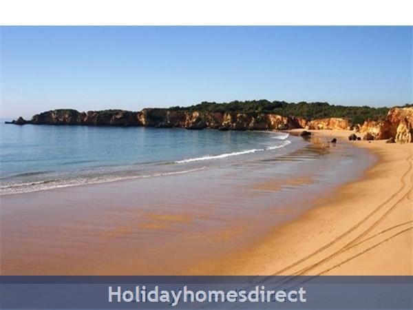 Ma Parthilia Alvor 3 Bedroom Apartment: Beach Area