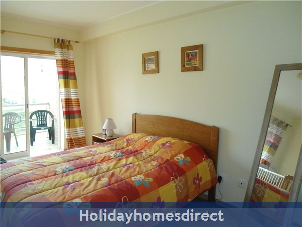 Ma Parthilia Alvor 3 Bedroom Apartment: Double bedroom 1