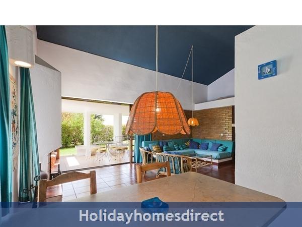 Villa Avril Albufeira Private Villa With Pool: Dining Area