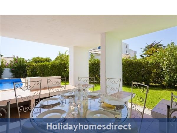 Villa Avril Albufeira Private Villa With Pool: Garden and Pool area