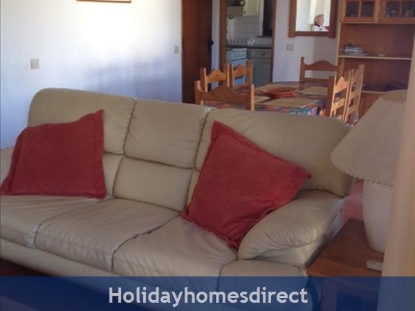 Aldeia Da Torre -3 Bedroom Villa - Olhos D'agua - Albufeira: Living room