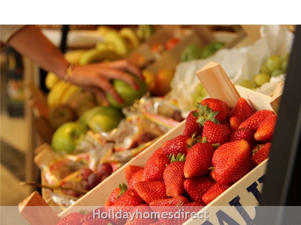 Martinhal Quinta fresh Mercado fruit In Portugal