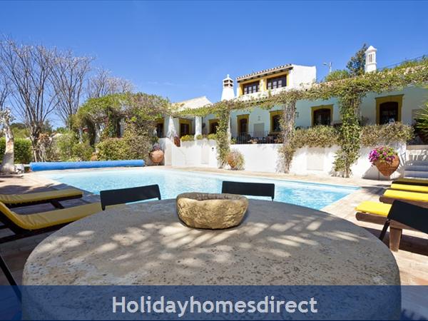 Villa Casa Amarela Boliqueime 7 Bedroom Private Villa With Pool: Pool area