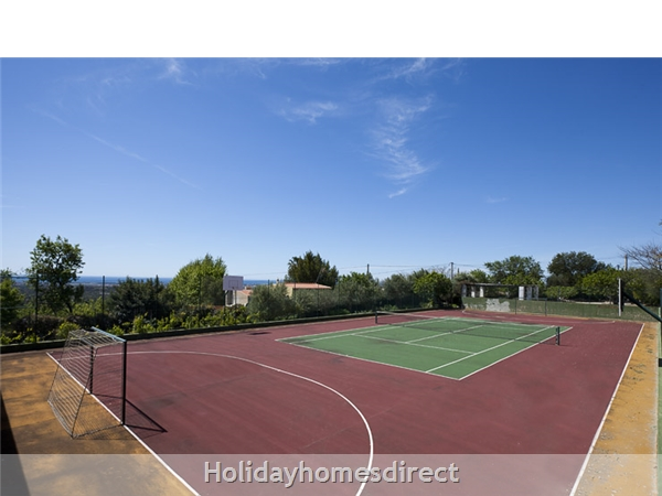 Villa Casa Amarela Boliqueime 7 Bedroom Private Villa With Pool: Tennis court
