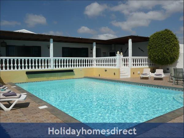 Casa Cielo With Private Pool, Puerto Del Carmen, Lanzarote: Super large pool 10m x 6m