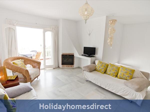 Alamar Nerja Cosat Del Sol Spain: Living area