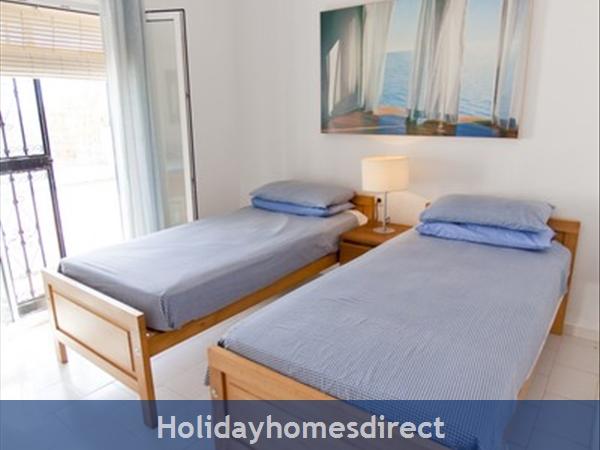 Alamar Nerja Cosat Del Sol Spain: Twin bedroom 1