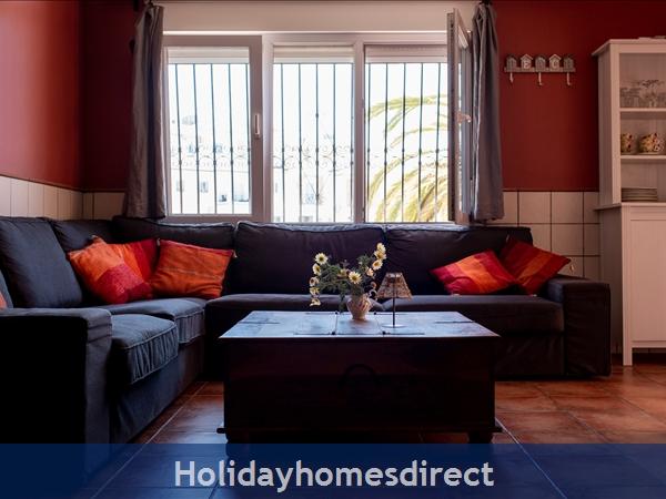 Casa Sonrisa: Living room