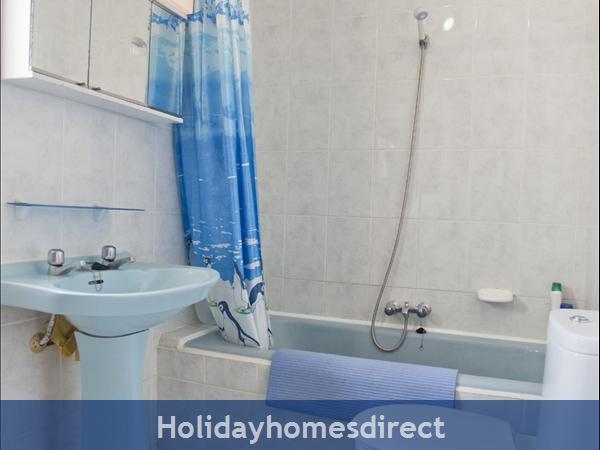 Pueblo Andaluz: Bathroom upstairs