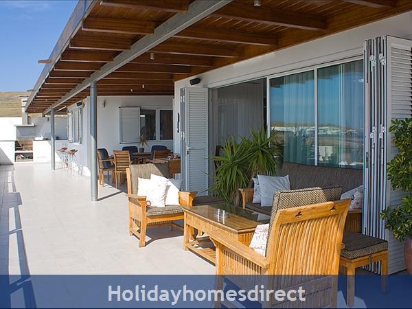 Buena Vida With Private Pool, Puerto Calero, Lanzarote: Upper terrace off the main lounge