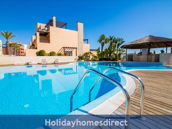 Victoria Boulvard Superb 3 Bedr Duplex Terrace Townhouse & Shared Pool 10 Mins Drive Vilamoura Marina & Local Amenities & Falesia Beach (114/12/AL)