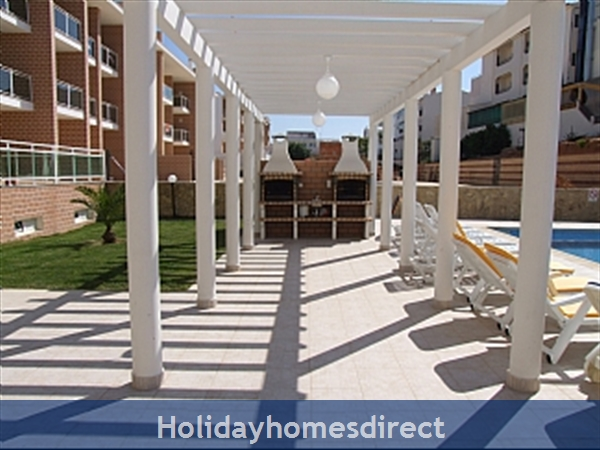 Spacious 3 Bed Alvor Apartment Alvor Apartment With Wifi, Aircon, Smart 50: Full BBQ area and Sun Terrace