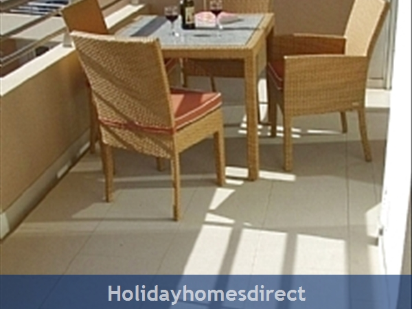 Vasco Da Gama, Beachfront Property On The Main Beach In Albufeira: Balcony