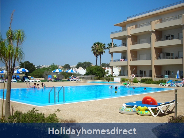 Vasco da Gama, beachfront property on the main beach in Albufeira