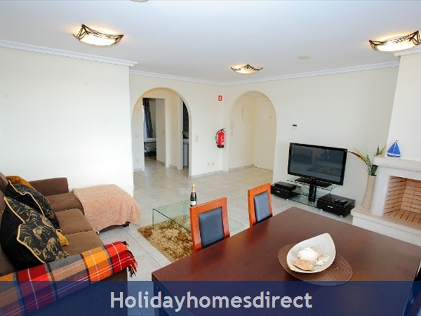 Falesia Beach, Delightful 2 Bedroom Apartment (9g) In The Exclusive Pine Sun Park Complex Nr The Beach& Nr Restaurants & Bars & Shops. (al/15821): Image 4