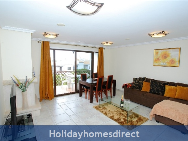 Falesia Beach, Delightful 2 bedroom Apartment (9G) in the exclusive Pine Sun Park Complex nr the Beach& nr Restaurants & Bars & Shops. (AL/15821)