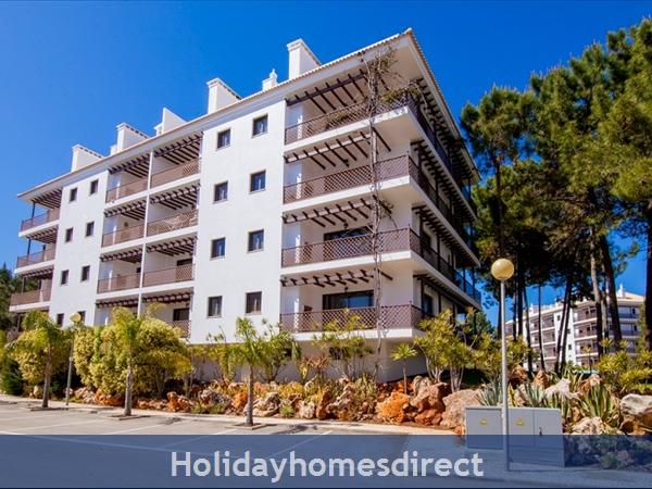Falesia Beach, Beautiful 2 Bedroom Apartment (40) In The Exclusive Pine Sun Park Complex Nr The Beach& Nr Restaurants & Bars & Shops. (al/2013/196: Sun Pine Park