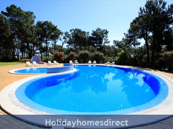 Falesia Beach, Beautiful 2 Bedroom Apartment (40) In The Exclusive Pine Sun Park Complex Nr The Beach& Nr Restaurants & Bars & Shops. (al/2013/196: Pool