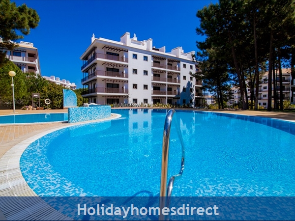 Falesia Beach, Beautiful 2 Bedroom Apartment (40) In The Exclusive Pine Sun Park Complex Nr The Beach& Nr Restaurants & Bars & Shops. (al/2013/196: Pool area
