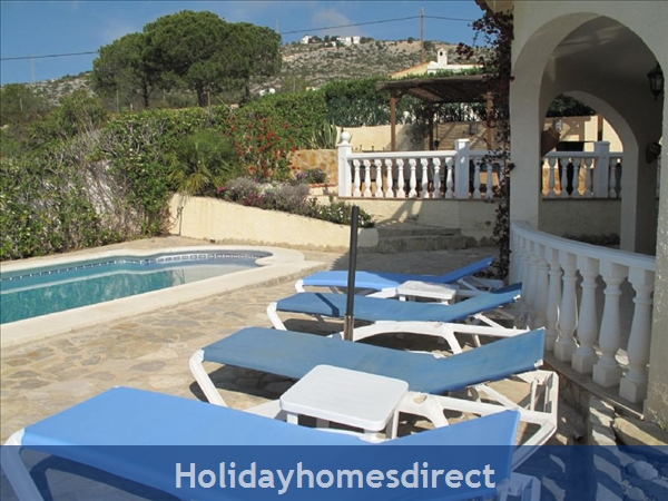 Villa Santos, 2 Bed, Air Con, Sat Tv Wifi, Heated Pool, Outstanding Bbq Terrace Fantastic Seaviews Quiet Location, 15minutes Walk To Shops And Beaches: Pool Area