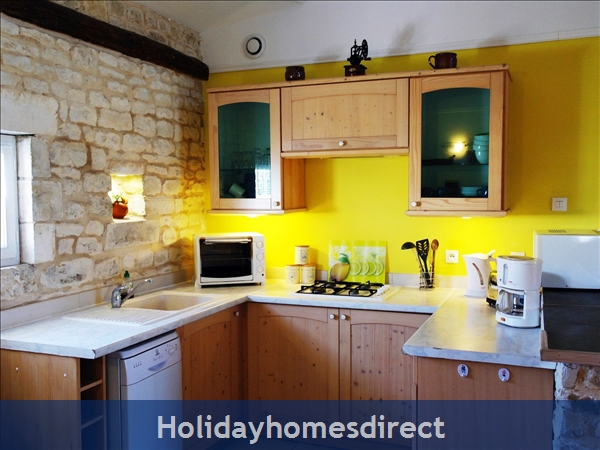 Maison: Kitchen