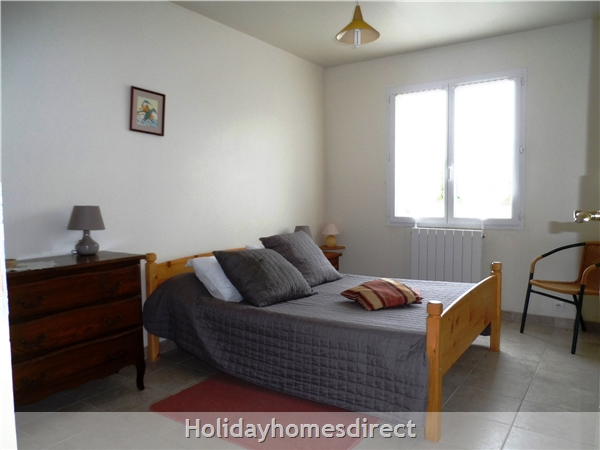 Puce Gite: Bedroom  double and optional single bed