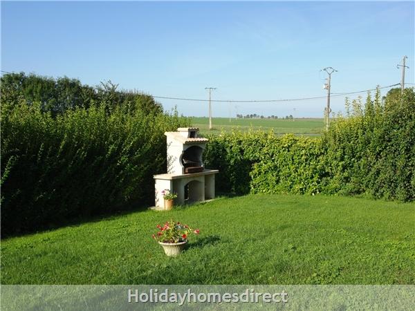 Le Sureau: garden
