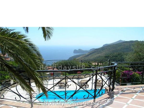 Villa Carlotta With Private Pool Sorrento Coast: Sorrento terrace villa with sea view accommodation