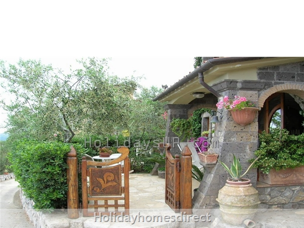Entrance villa in sant'agata sui due golfi homeway