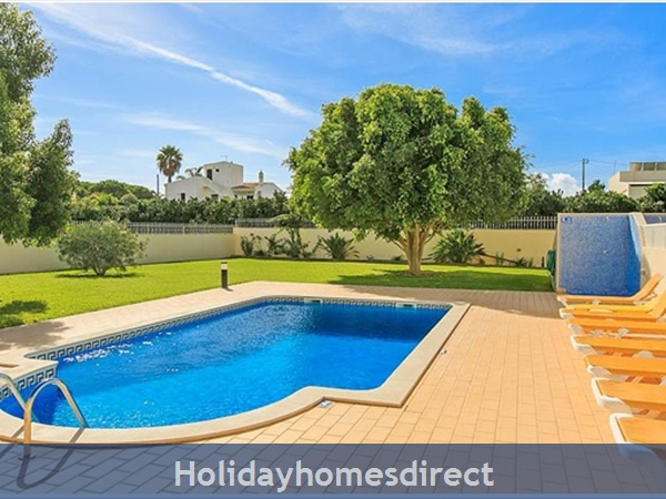 Villa Leila Albufeira. 5 Star Reviews!: Pool area