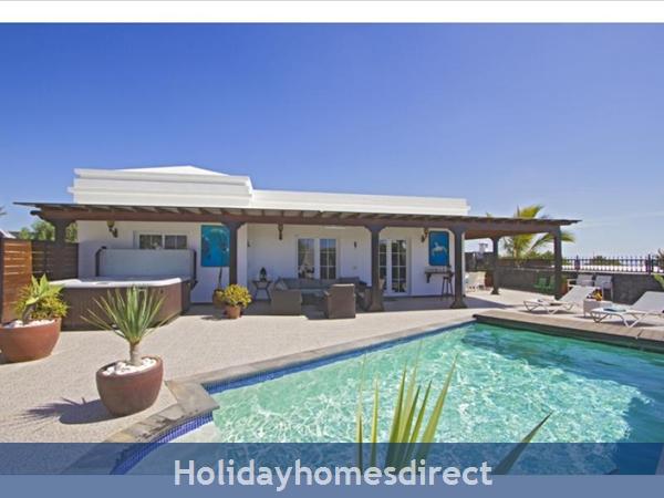 Villa Ocean View With Private Pool, Puerto Del Carmen, Lanzarote