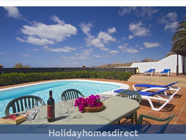 VILLA CORTIJO VEJO WITH PRIVATE POOL, PUERTO CALERO, LANZAROTE