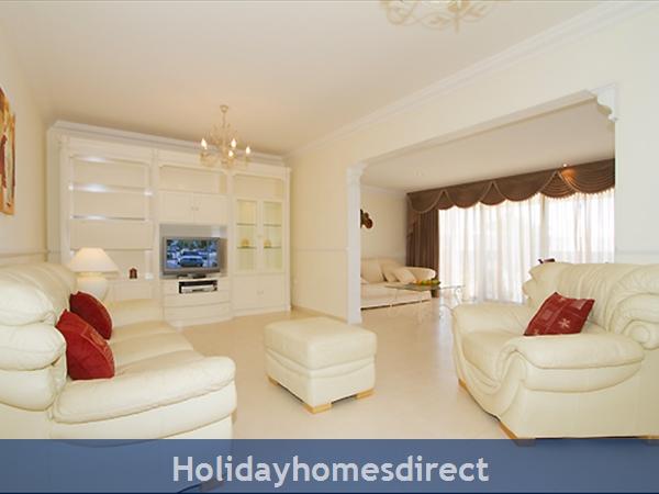 Villa Harmony Puerto Del Carmen Lanzarote: Living room