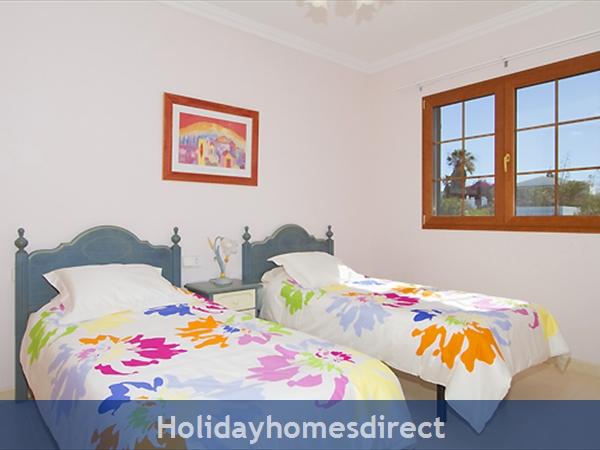 Villa Harmony spare bedroom