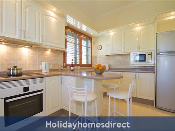 Villa Harmony Fully equipped kitchen and fridge