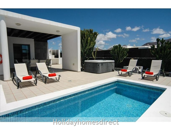 Villa Carolina (196809), Playa Blanca, Lanzarote: Image 2