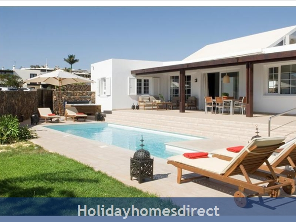 Villa Franca Private swimming pool and sunbeds