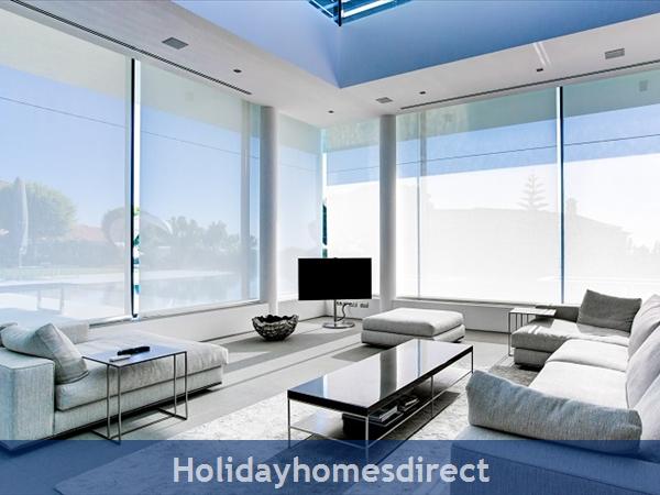 Villa Bond, Luxury Villa With Private Pool, Vale Do Lobo: Image 9