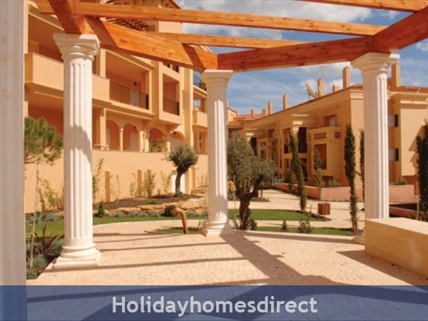 Baia Da Luz Resort, 1/2 Bedroom Apartments, Praia Da Luz: Image 3