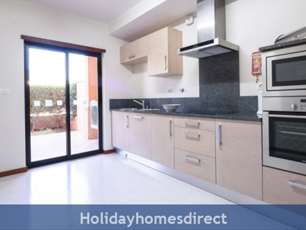 Baia Da Luz Resort, 1/2 Bedroom Apartments, Praia Da Luz: Image 7