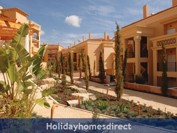 Baia Da Luz Resort, 1/2 Bedroom Apartments, Praia Da Luz: Image 5