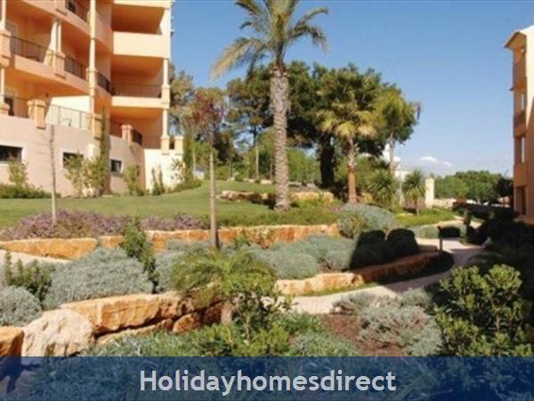 Estrela Da Luz Resort, 1/2/3 Bedroom Apartments, Praia Da Luz: Image 4