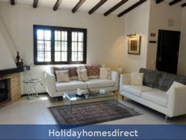 Casa Azinheira Is A Superb Air Cond 3 Bedroom Villa With Wifi & Private Pool, Excellent Location, 10 Mins Drive To Beach & Vilamoura Marina. Al/33558: Image 2