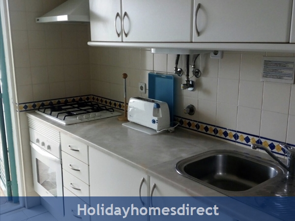G20b, 2 Bedroom Apartment With Air Con, Prainha Village. Sleeps 5 People.: Image 4