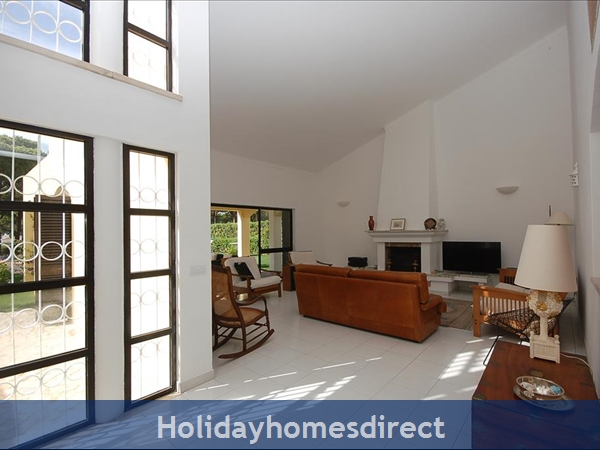 Villa Biarritz Vilamoura 4 Bedroom With Private Pool: Living Area