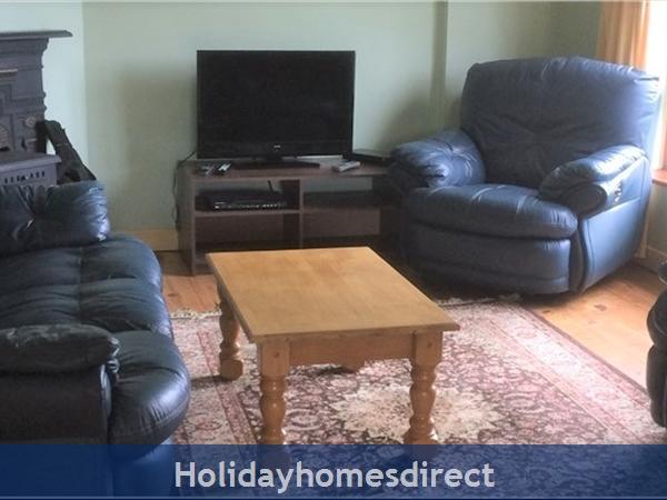 No 12 Tragumna Holiday Cottages: Lounge