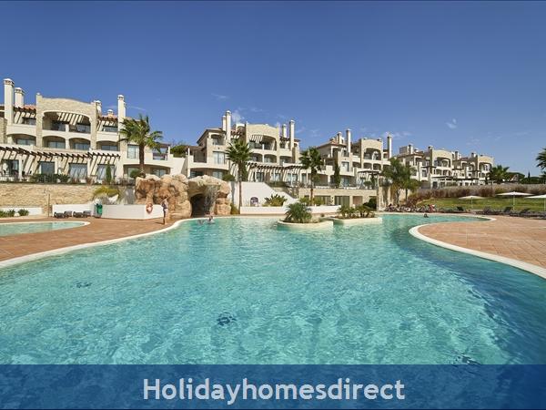 Pine Hills, Vilamoura. Stunning 2 bedroom apartments