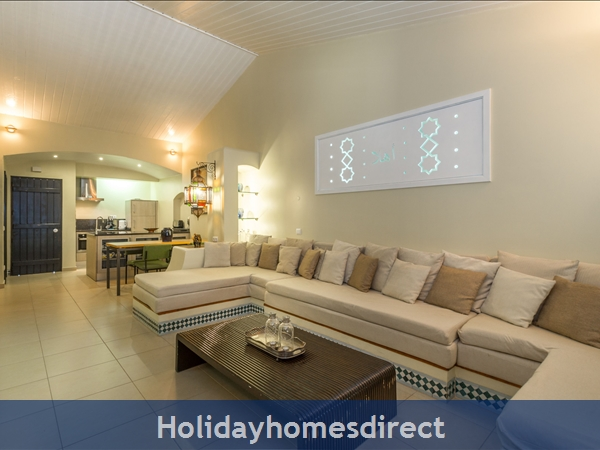 Casa Medina, Vilamoura. Stunning 2 Bedroom Townhouse With Private Pool: Image 9
